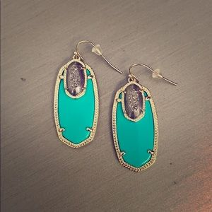 Kendra Scott Emmy Earrings